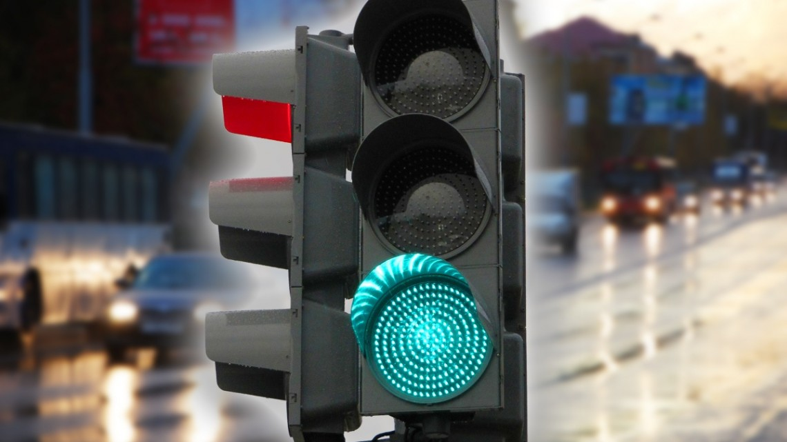 1421817429_complex-intersections-traffic-lights