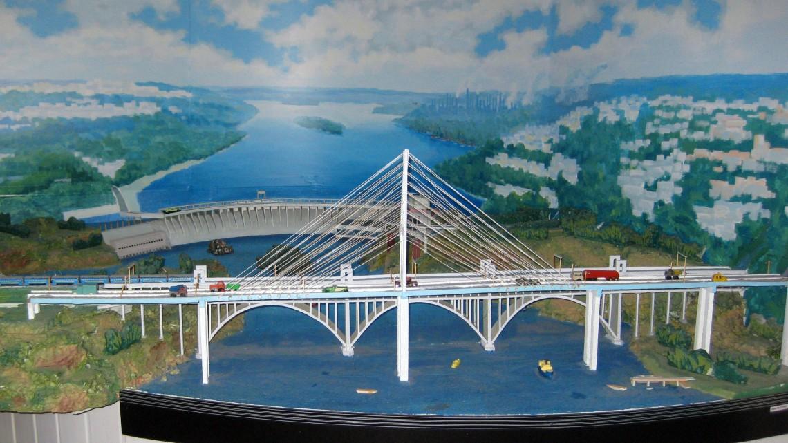 maket-novyh-zaporozhskih-mostov