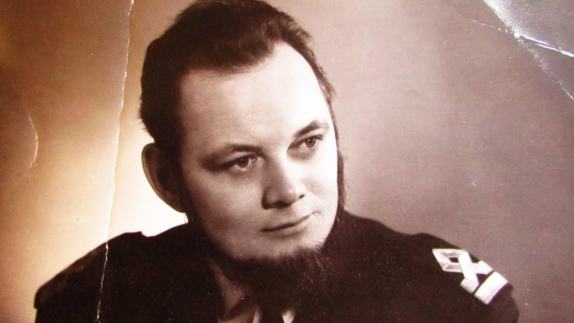 Молодой Олег Щекотихин