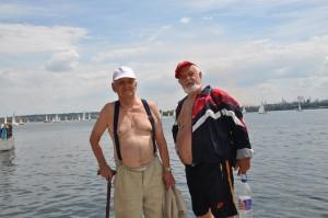 Олег Щекотихин (слева)