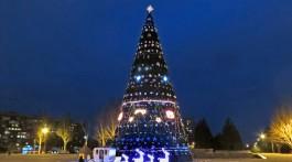 novogodnyaya-yolka-2013