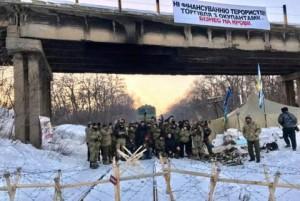 1487180469_blokada-postavok-uglya-iz-donbassa-privela-k-rezhimu-chs-v-ukraine