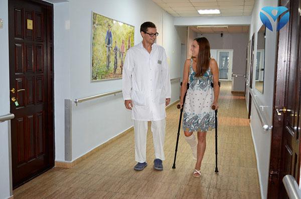 Фото 3_Врачи клиники ортопедии и спортивной травмы вернули радость движения молодой маме из Мелитополя (1)
