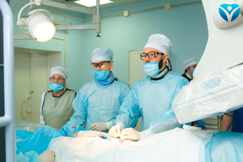 Фото 15_Благодаря малотравматичным операциям качество оказания помощи пациентам с сердечно-сосудистыми патологиями выйдет на новый уровень