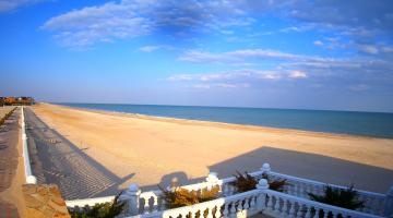 Оксамитовий сезон на Азові: як нині виглядають пляжі Бердянська та Кирилівки