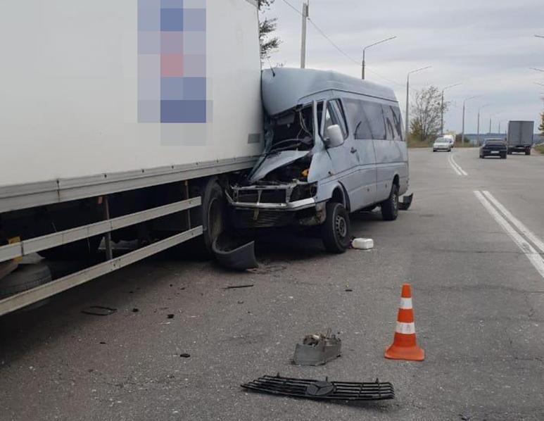 У Запоріжжі маршрутка потрапила у смертельну аварію