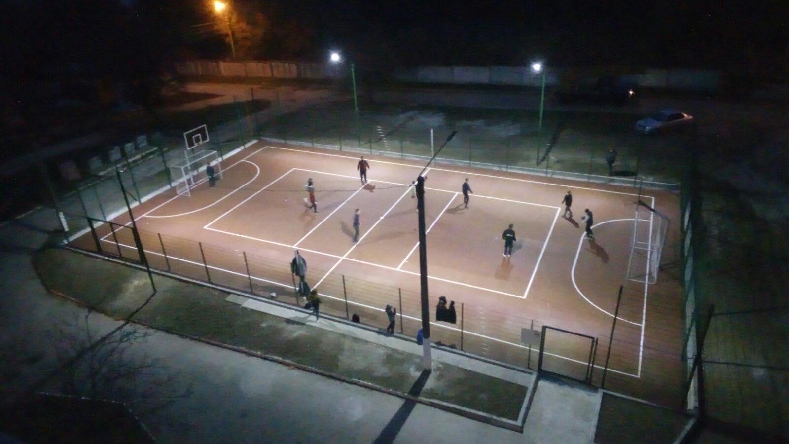 Запорізькі школярі зможуть займатися спортом і вдень, і ввечері