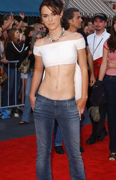 Голівудська акторка Кіра Найтлі на початку нульових у джинсах з заниженою талією