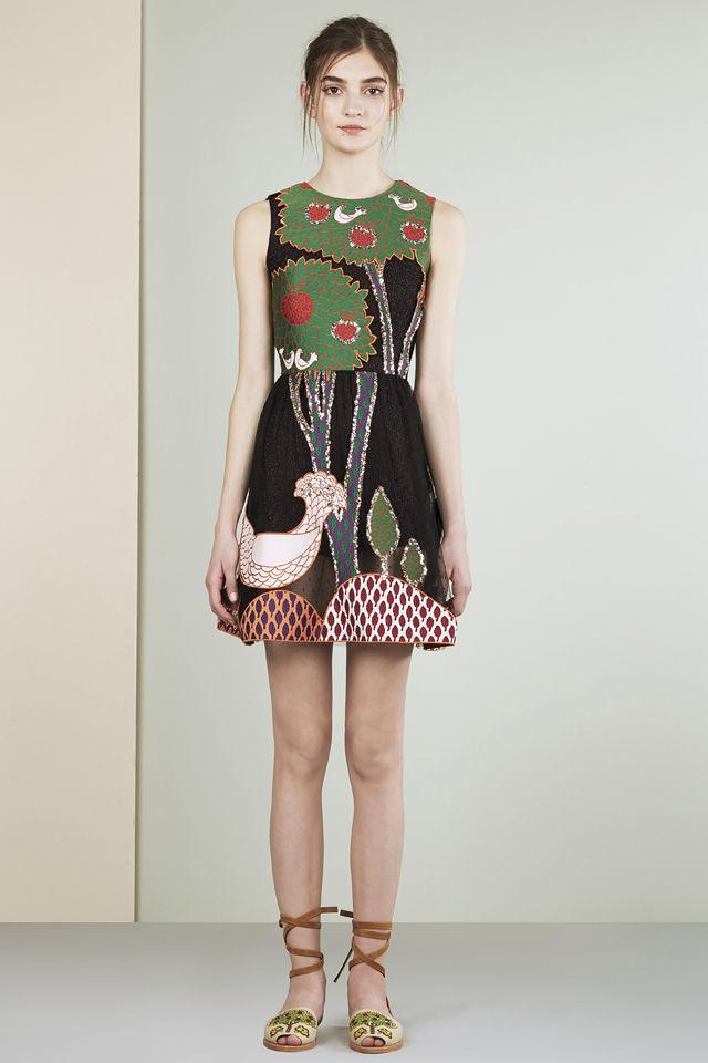 Юлия Ратнер в платье от Валентино