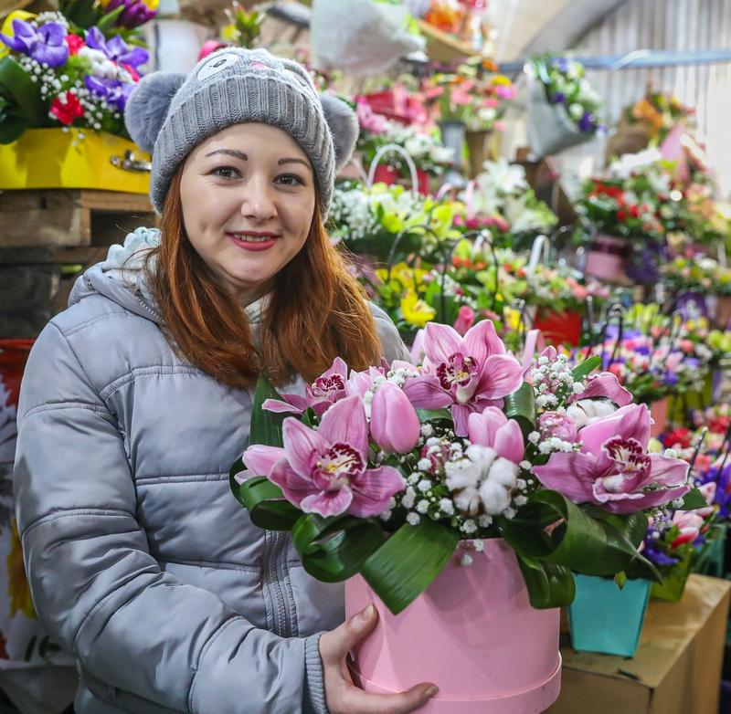 Продавець квітів Леся