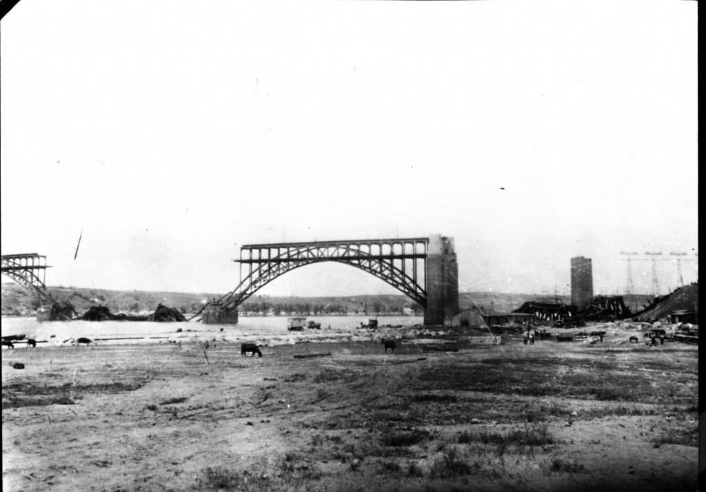 15_1_зруйнований мост Стрелецького через Новий Дніпро