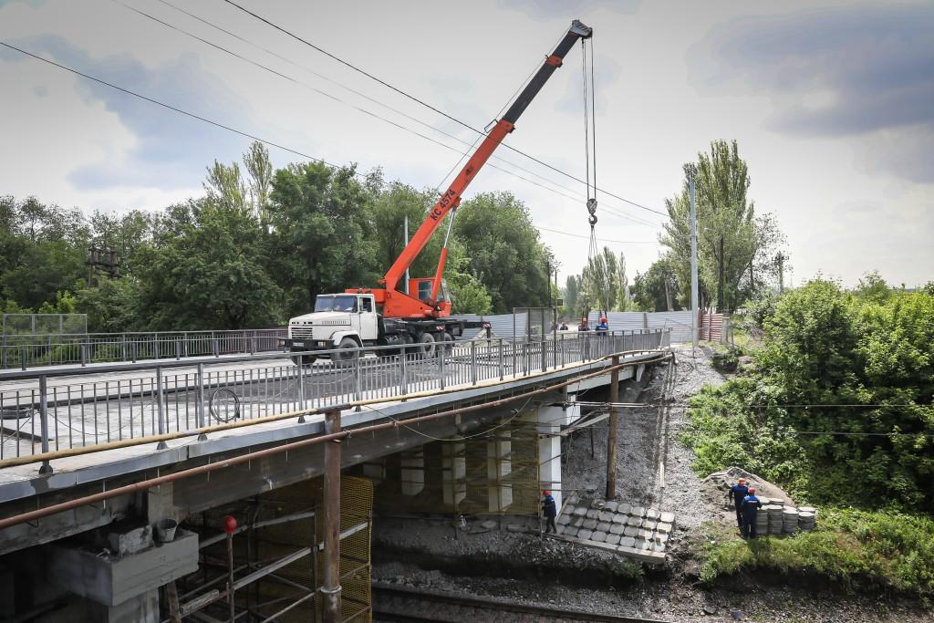 У Запоріжжі ремонтують уже третій шляхопровід