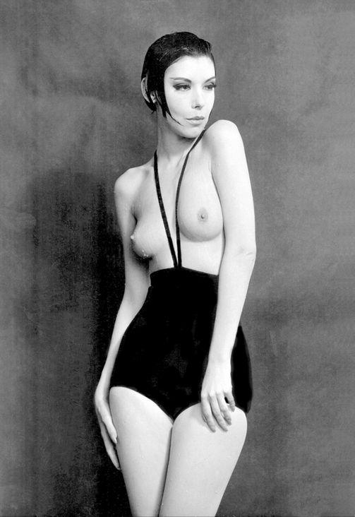 1964 рік. Руді Гернрайх вигадав одягнути жінок у труси на лямках – це була перша спроба запропонувати панянкам засмагати топлес.