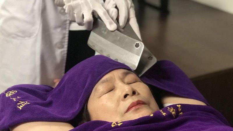 массаж_ножами
