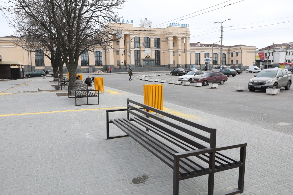 Будівництво площі Привокзальної